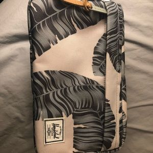 Herschel Dopp Kit - banana tree leaves design